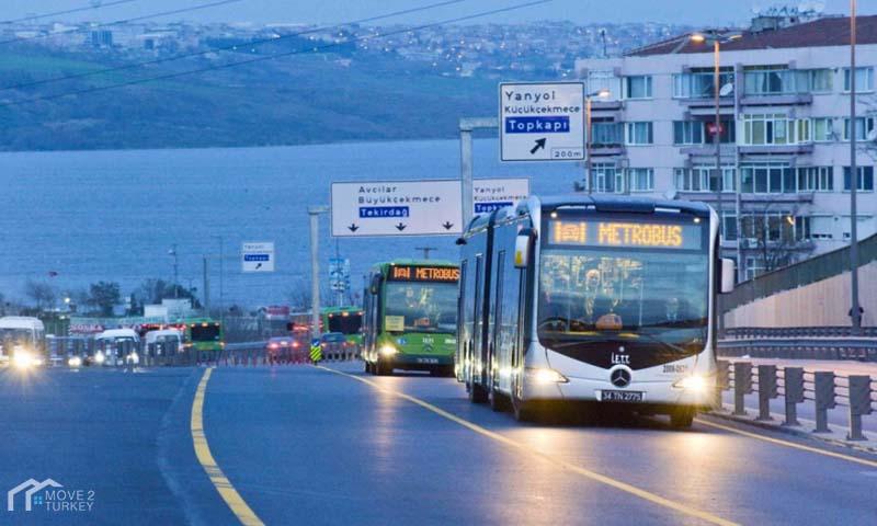 Istanbul Metrobus